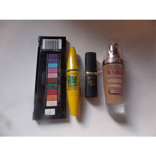Basic Make Up kit including red lipstick, Mascara, Eyeshadow and Foundation